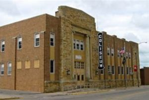 A picture of the exterior of the Marshalltown Veteran's Memorial Coliseum